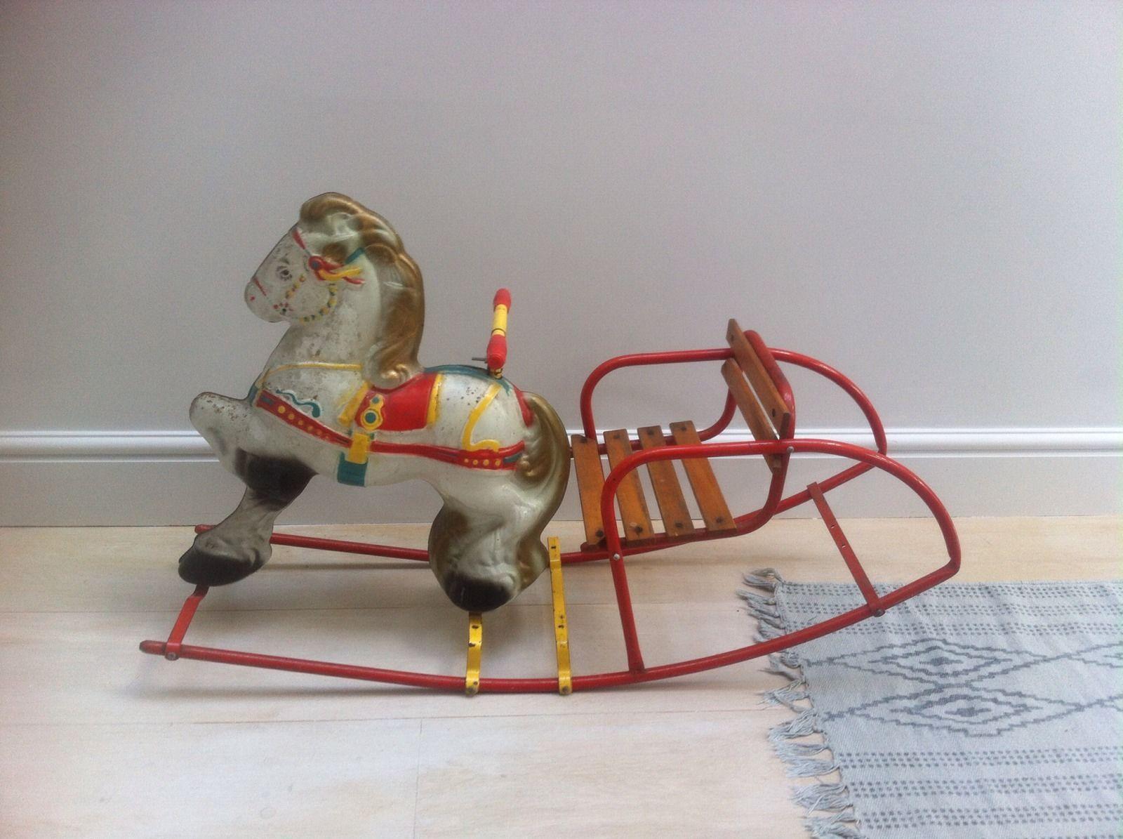 horse car mobo toys